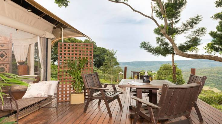 Luxury tent with private deck for a holiday in Queensland.