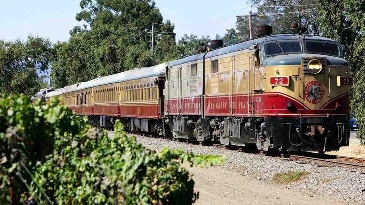 Napa Valley wine train: winery tours in California