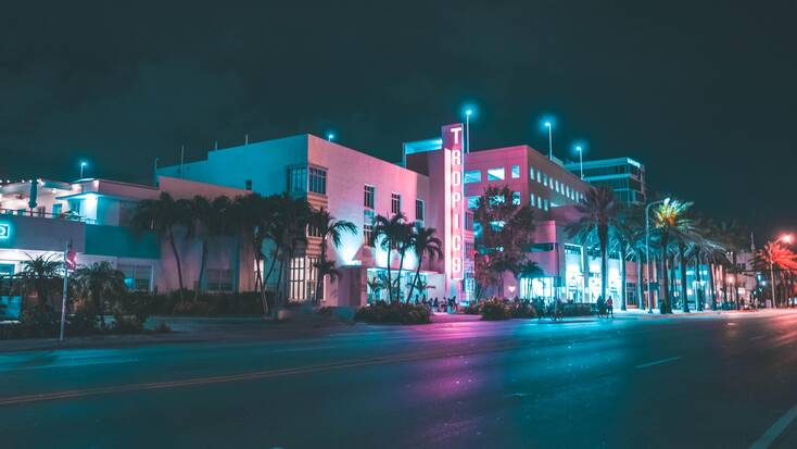 Lights in Miami: weekend trips, Florida