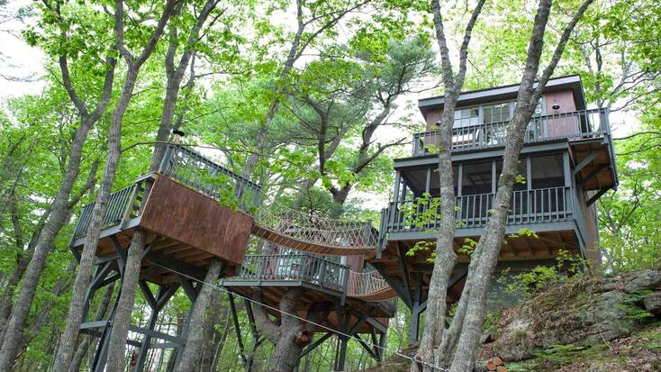 A tree house in Maine