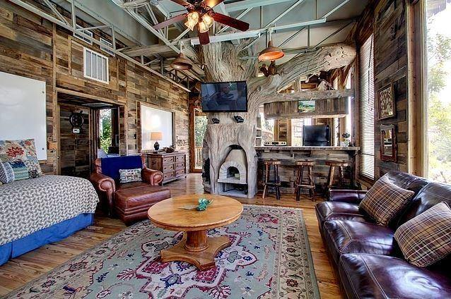 The living area of an Austin tree house rental, perfect for spring vacation ideas in  Texas.