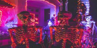 Halloween skeletons on display for next halloween getaways