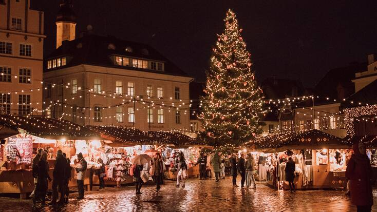 A Christmas market in a a Christmas town