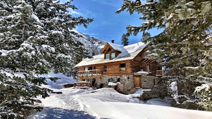 Rent this Colorado cain rental for the perfect winter vacation.