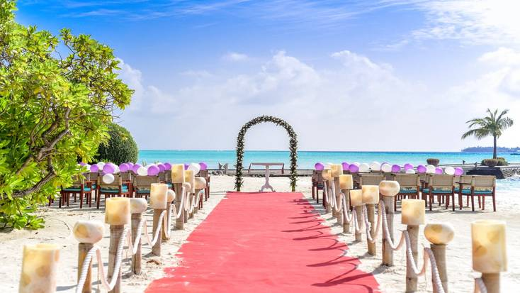 Head to the beach by getting married in Florida