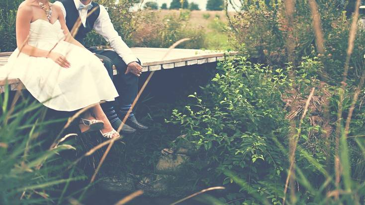 Start planning your glamping wedding today!