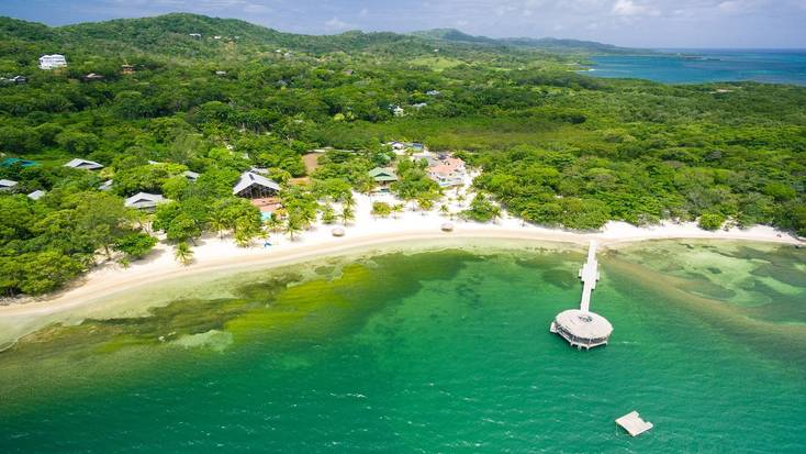 Spend Christmas in Honduras when you book a rental on Roatán Island!