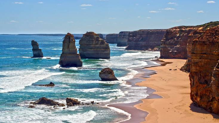 Explore the Great Ocean Road when you visit Victoria for a tropical Christmas getaway!