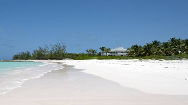 Stay in a beachfront rental during your Bahamas vacation