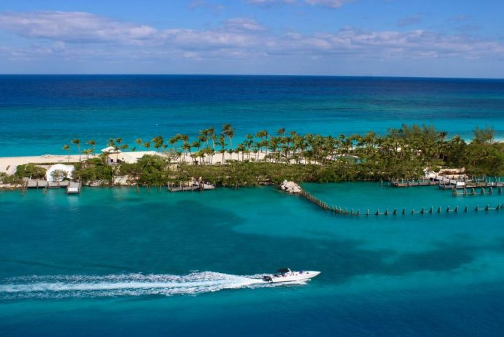 The beach and ocean ready for a Bahamas Vacation