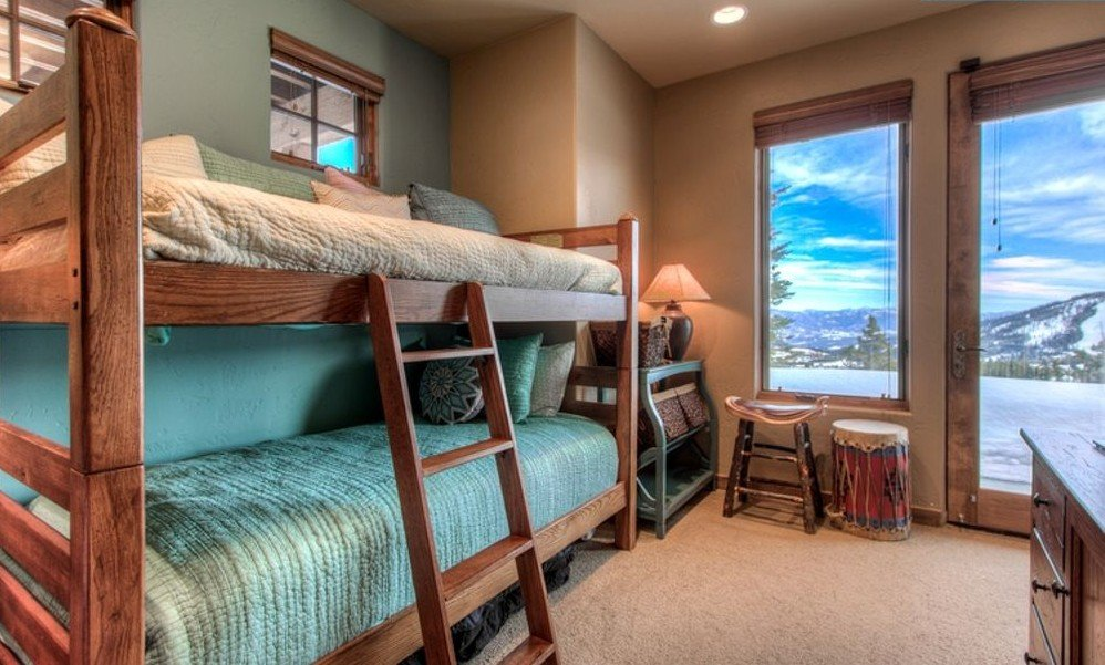 Bunk beds of cabin rentals for big sky vacations