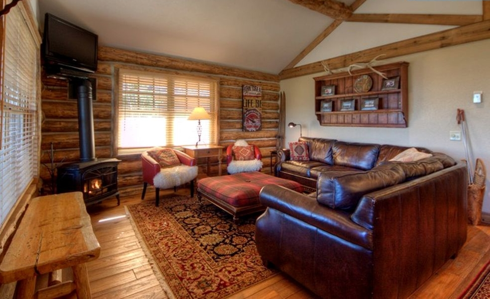 Living room of Big sky vacations for the best skiing getaways Montana has to offer