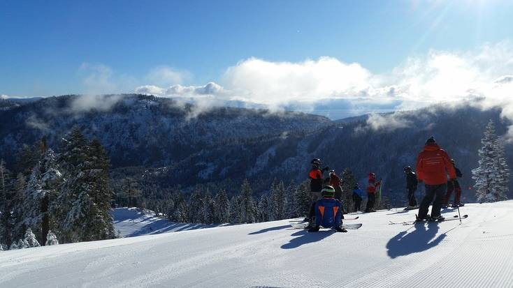 Enjoy a family vacation when skiing in California