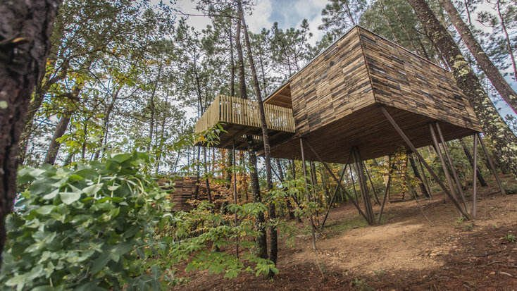 A glamping tree house in Spain for a romantic getaway for couples.