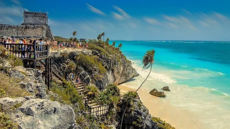The Tulum Mayan ruins overlook the ocean