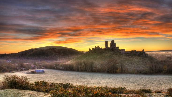 Visit Corfe Castle, Dorset, for Pancake Day 2020