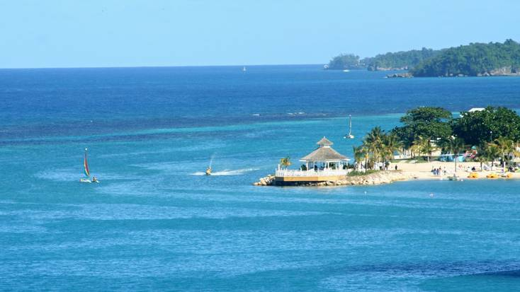 Discover the beauty of Jamaica