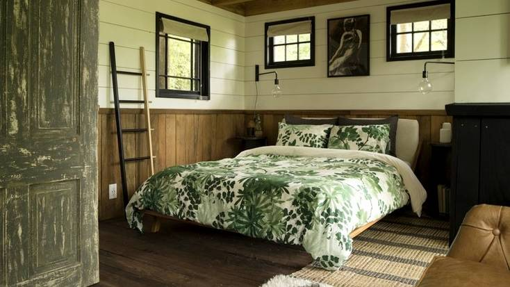 Double bed in the tree house