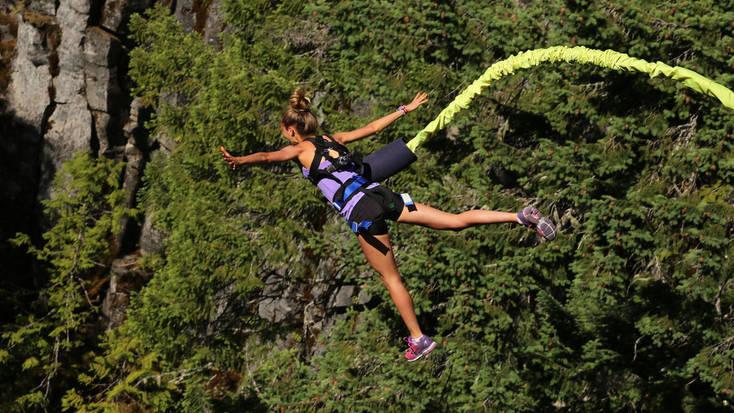 Bungee jumping near Whistler