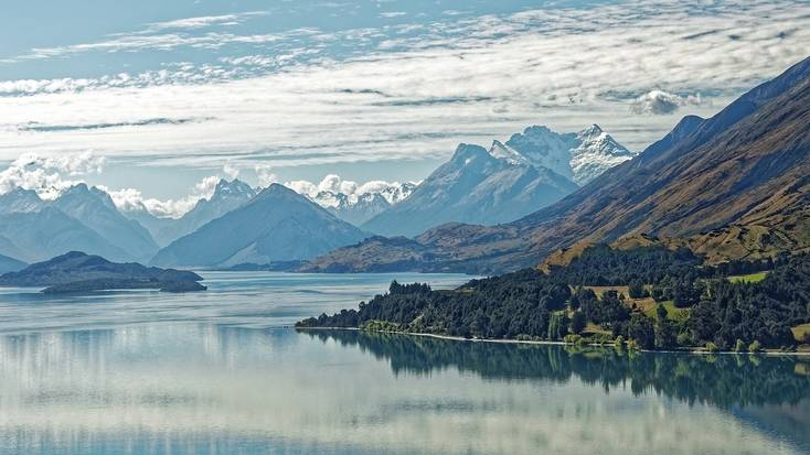 Epic mountain and lake views in New Zealand
