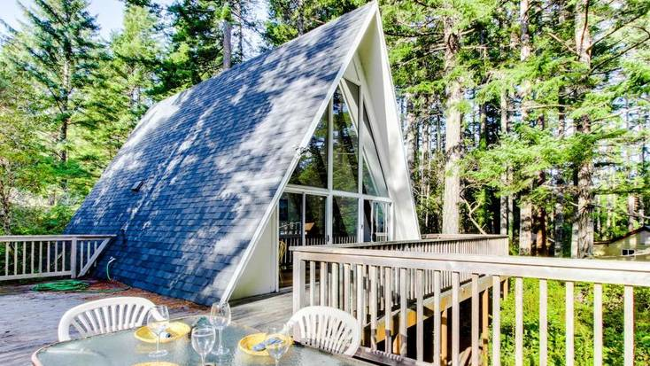 Stay in an A-Frame for glamping, Oregon