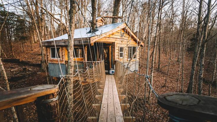 A secluded tree house in Kentucky