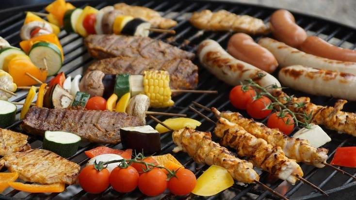 A barbecue, one of the best father's day gifts