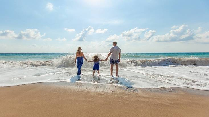 plan a beach holiday for one of your father's day gifts