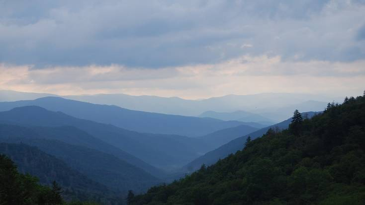 A view over the Great Smoky Mountains