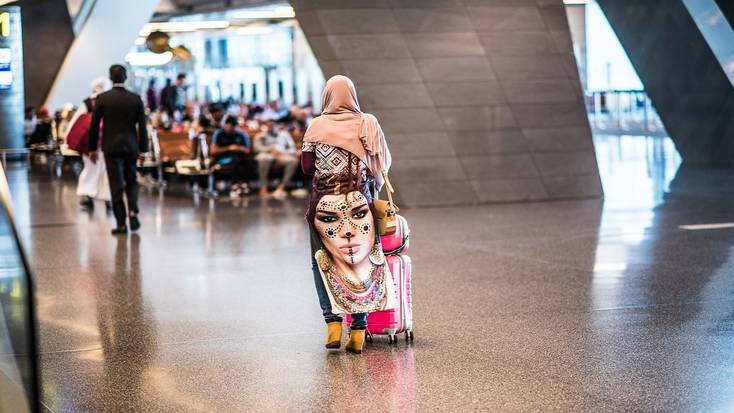 Maintain social distancing in airports for safe travel