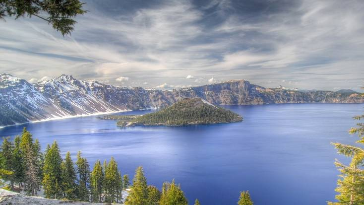 Visit Crater Lake during your West Coast vacations in 2020