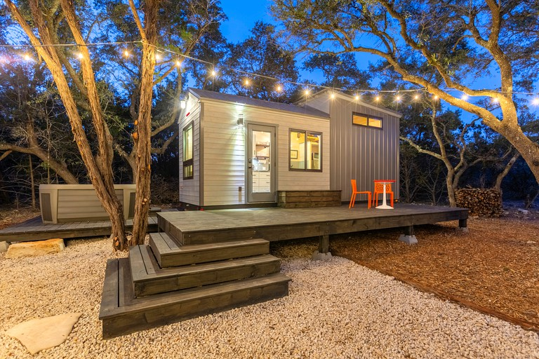 Charming Texas Tiny House with Private Hot Tub for the Best Glamping in Wimberley