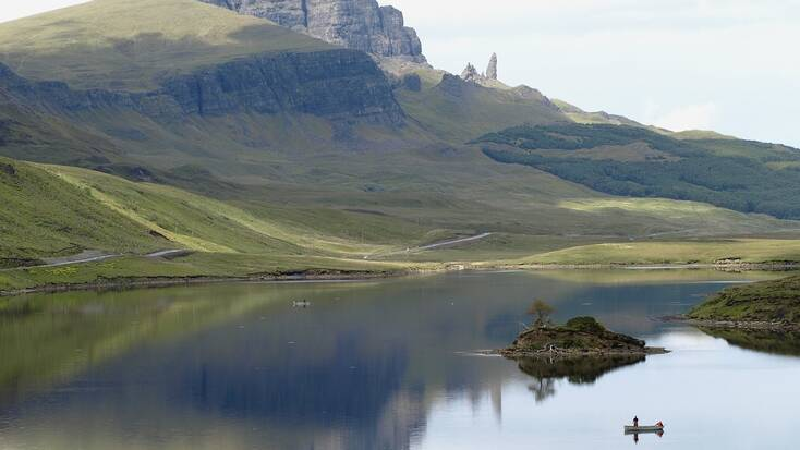 Plan holidays in Scotland and visit the highlands and lochs