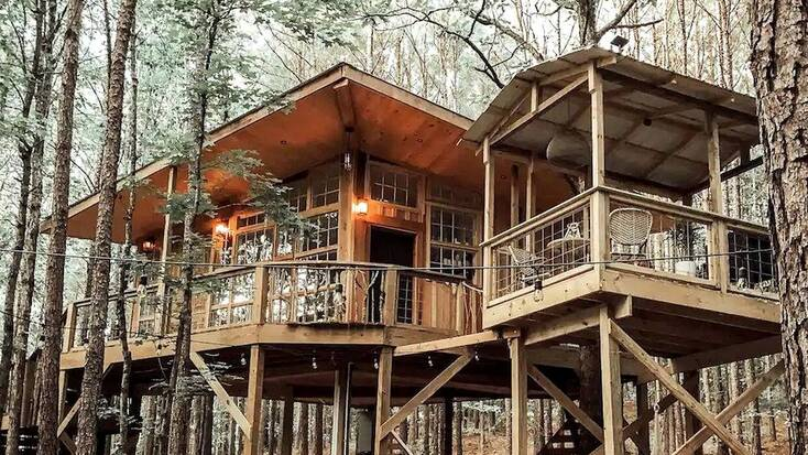Tree house rental in Alabama