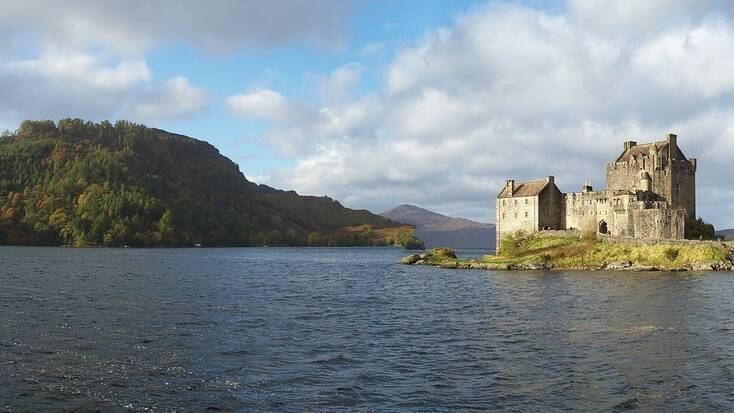 Go glamping in Scotland for your hot tub getaways