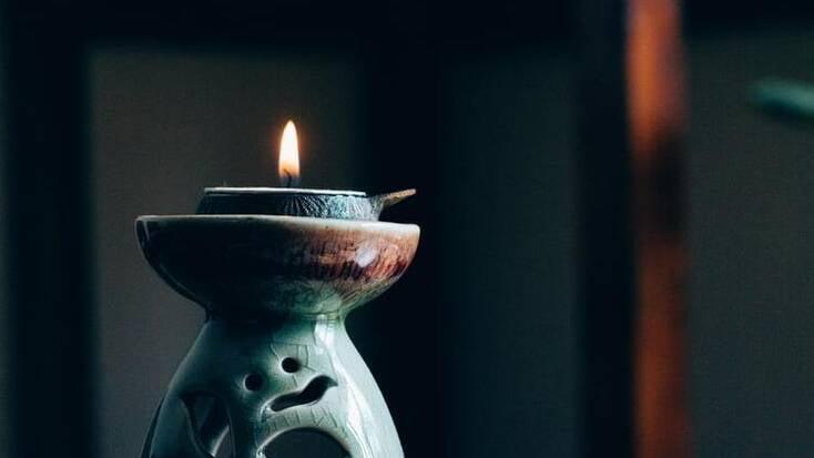 Candle lit for restful weekend spa getaways