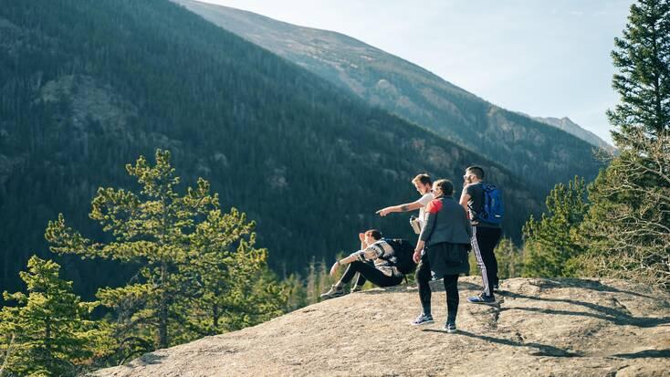 Tourist on wildlife tours in Rocky Mountain National Park, Colorado
