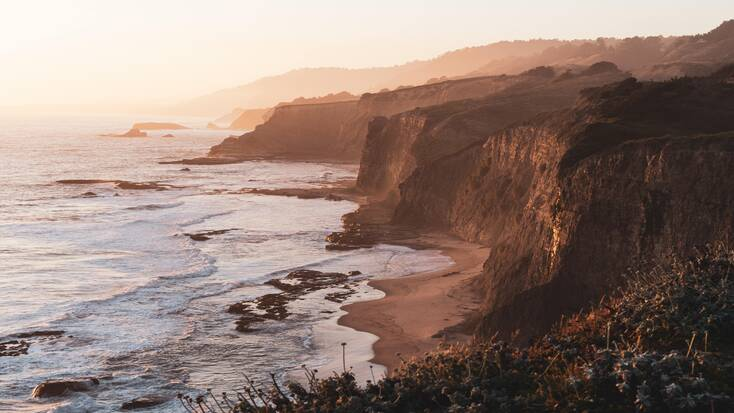 PLan luxury vacations in Claifornia and enjoy trips to California beaches