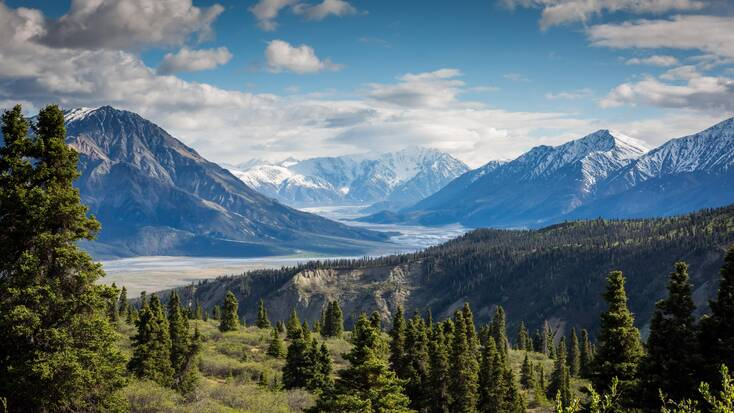 Stunning views of the mountains in Kluane National Park