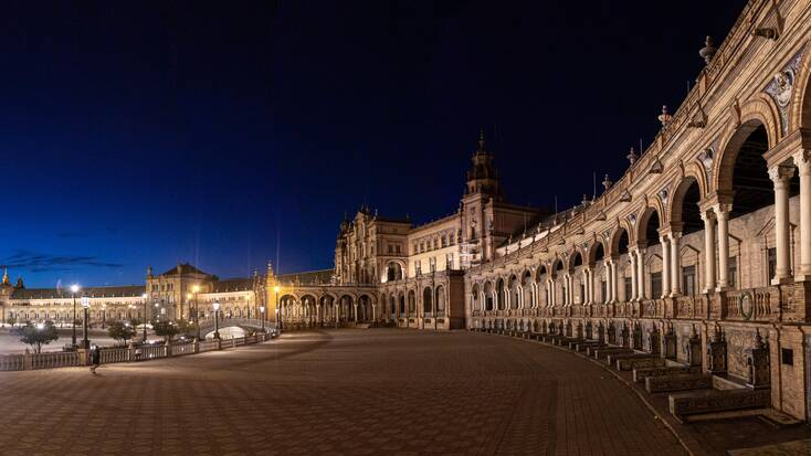 The stunning Plaza de España, Seville, at night