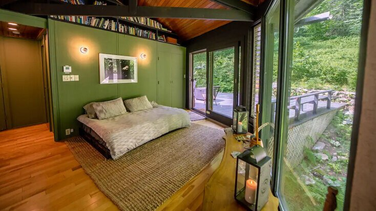 A comfy bed to sleep in while on your vacations in Massachusetts