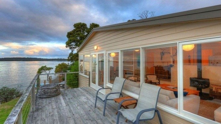 A waterfront rental in Southport, Tasmania, perfect for glamping in Tasmania