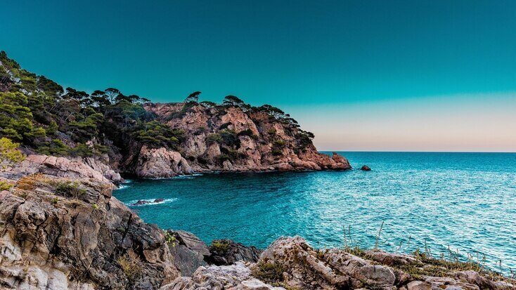 Cliffs seen from campsites in Marbella