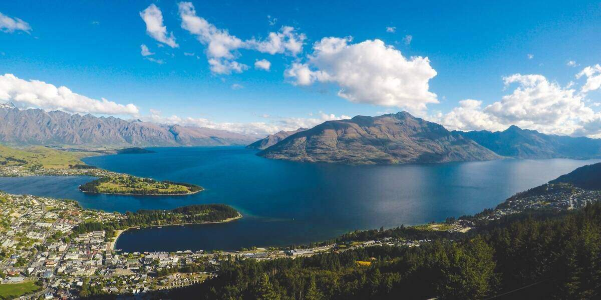 The view of Queenstown from the best New Zealand trails