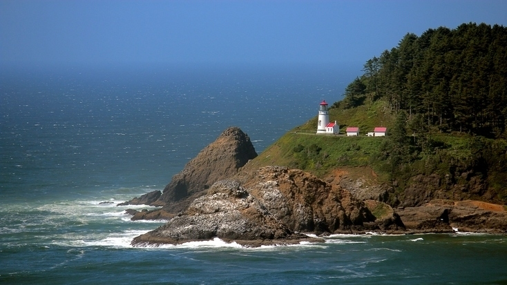 Heceta Head lighthouse - tours here are easy during vacations in Oregon!